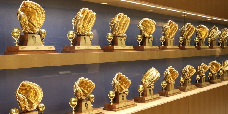 MLB Awards 2020 trappen af met Gold Gloves