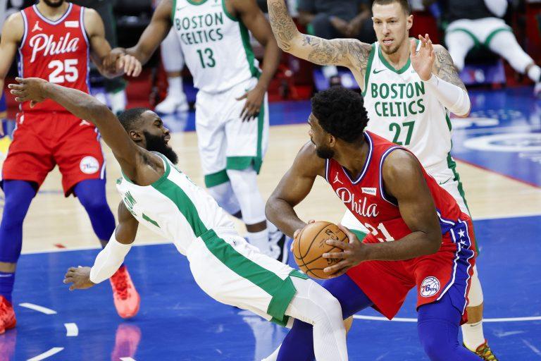 Celtics uit vorm, Clint Capela noteert bijzondere triple-double