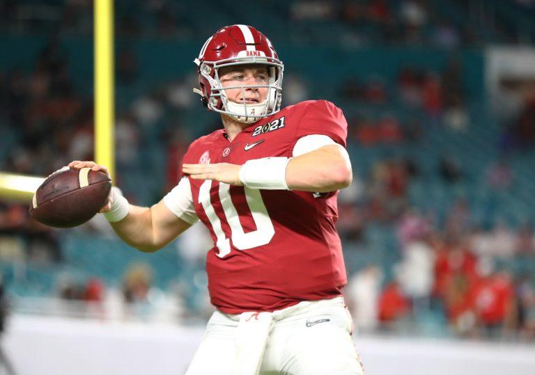 2021 NFL Draft QB Prospects: Mac Jones, Kyle Trask en de rest