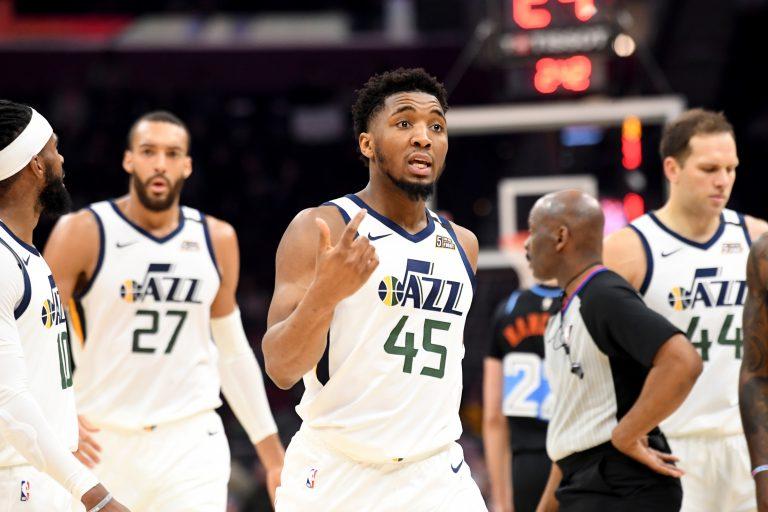 Lakers verliezen van stadsrivaal, Jazz niet te stoppen