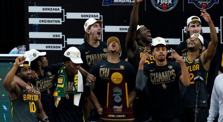 Baylor domineert en wint eerste NCAA Tournament-titel in geschiedenis