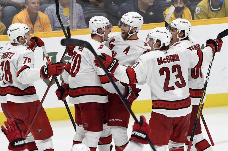 NHL play-offs: Canes elimineren Predators, Canadiens leven nog