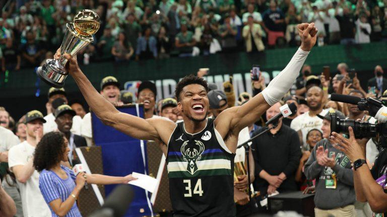 Bucks na 50 jaar weer kampioen, Antetokounmpo Finals MVP