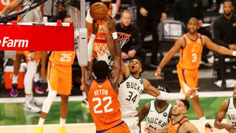 NBA Finals 2021: Bucks dankzij Middleton en Antetokounmpo op 2-2