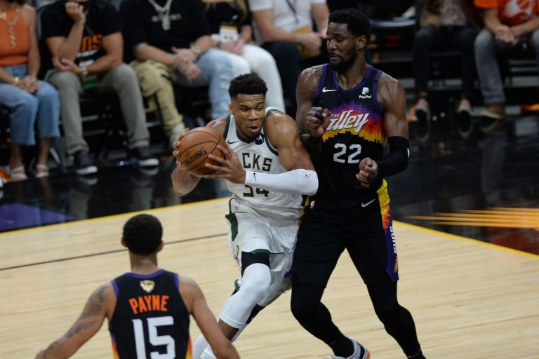 NBA Finals 2021: Suns openen met zege in Phoenix